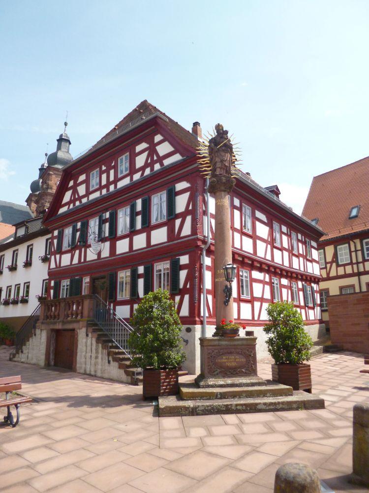 Repräsentatives Bürogebäude im Herzen von Amorbach zu vermieten