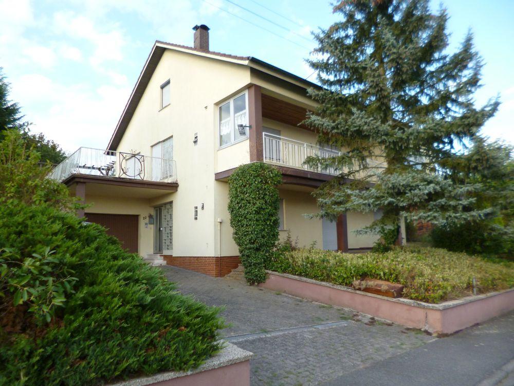 Einfamilienhaus mit großem Grundstück in ruhiger Ortsrandlage von Heppdiel