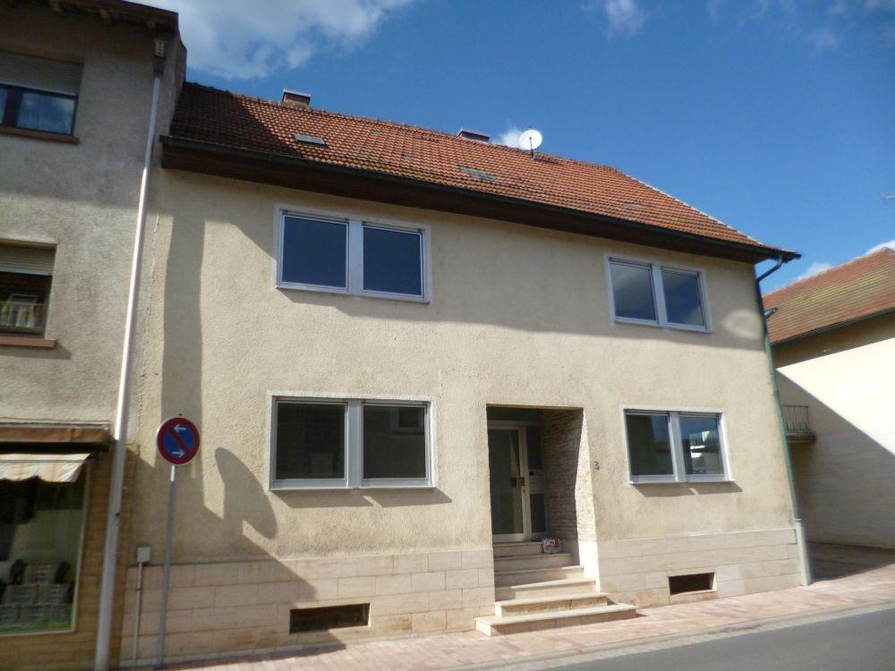 Alles in Einem! Renditeobjekt, Lager und Eigenheim – Zwei Häuser und Lagerhalle in Kirchzell